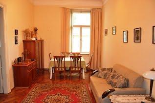 3 кімнатні апартаменти  Маркіяна Шашкевича пл. 2, Центр Львів